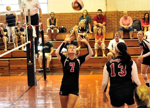 Quakers Wrap Up Play at Greensboro Volleyball Invitational