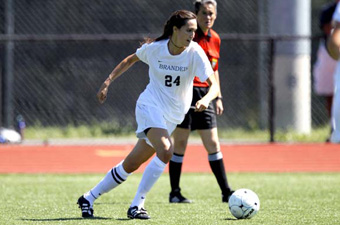 Women's soccer stuns WashU, 2-0, to move into second place in UAA