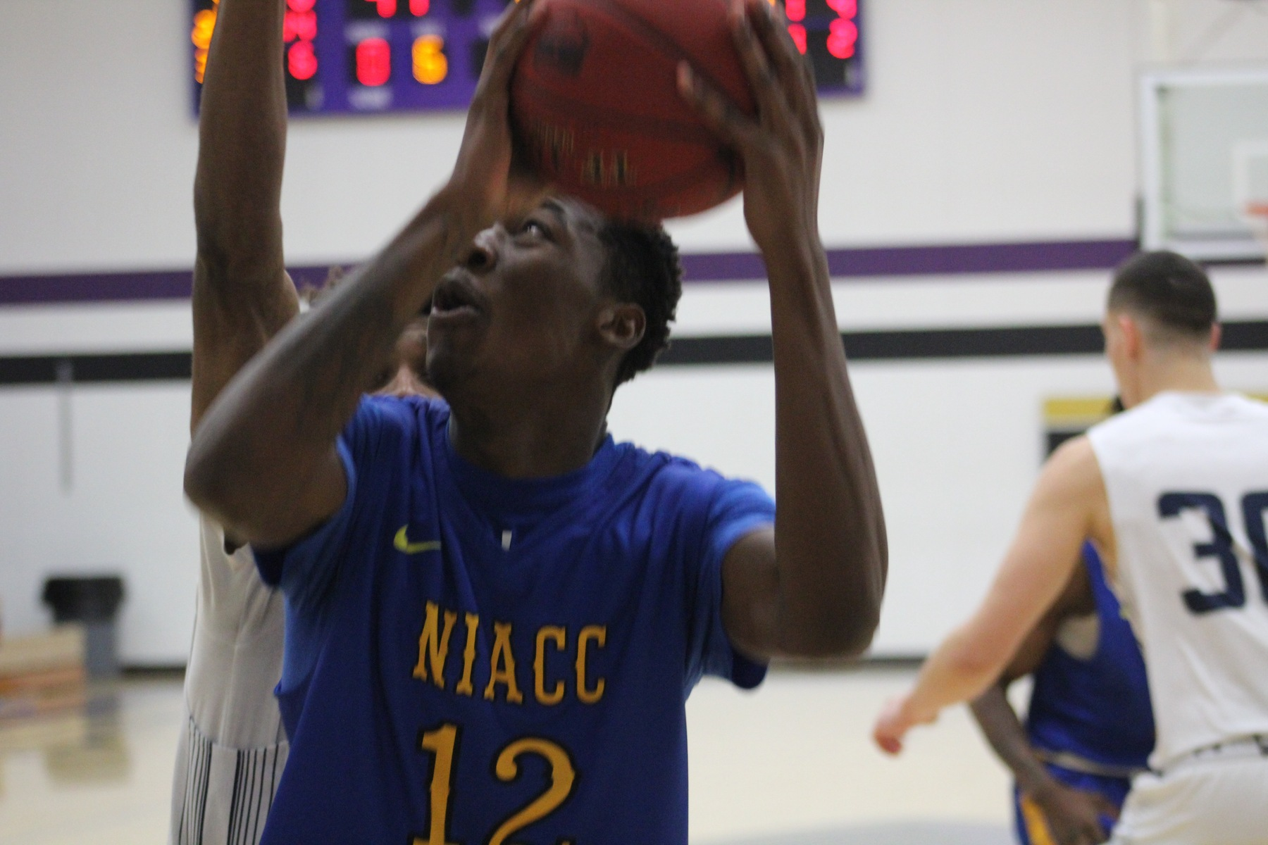 NIACC's Wendell Matthews takes the ball to the basket in Friday's game against Marshalltown CC.