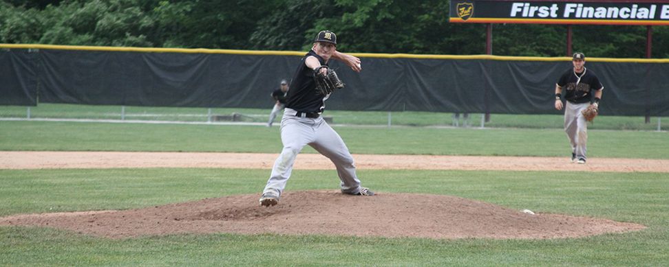 Black and Gold rallies past W&J, remains in winner's bracket