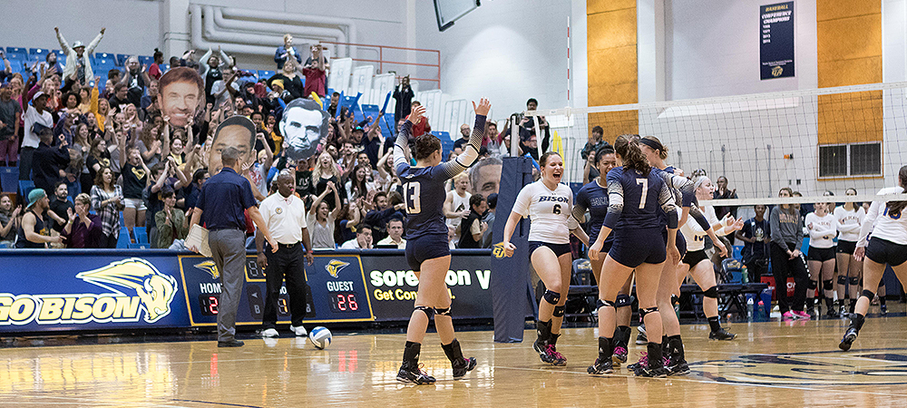Gallaudet drops marathon match against SUNY Poly, 3-2, on Homecoming Weekend