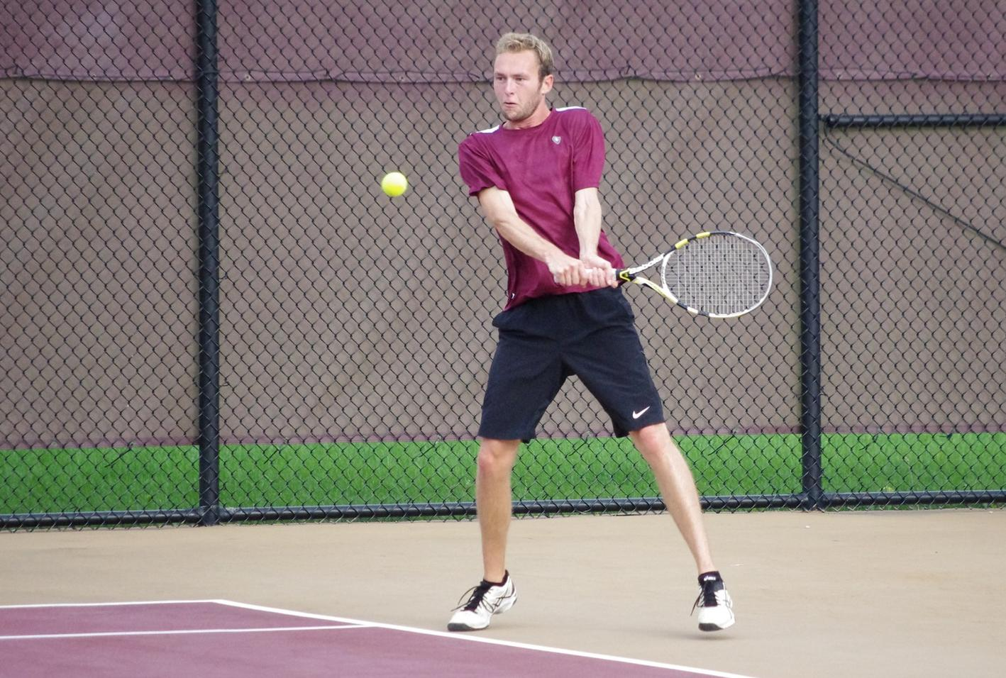 Men's Tennis Downed By Grand Valley In Season Finale