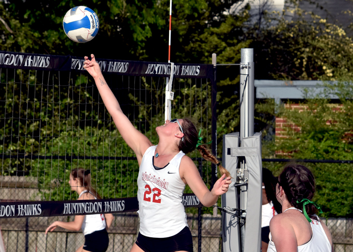 Huntingdon earns first 5-0 win in beach volleyball