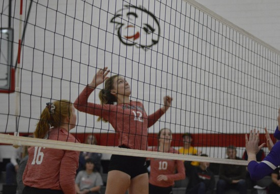 Blackburn Women's Volleyball splits Home Quad Match