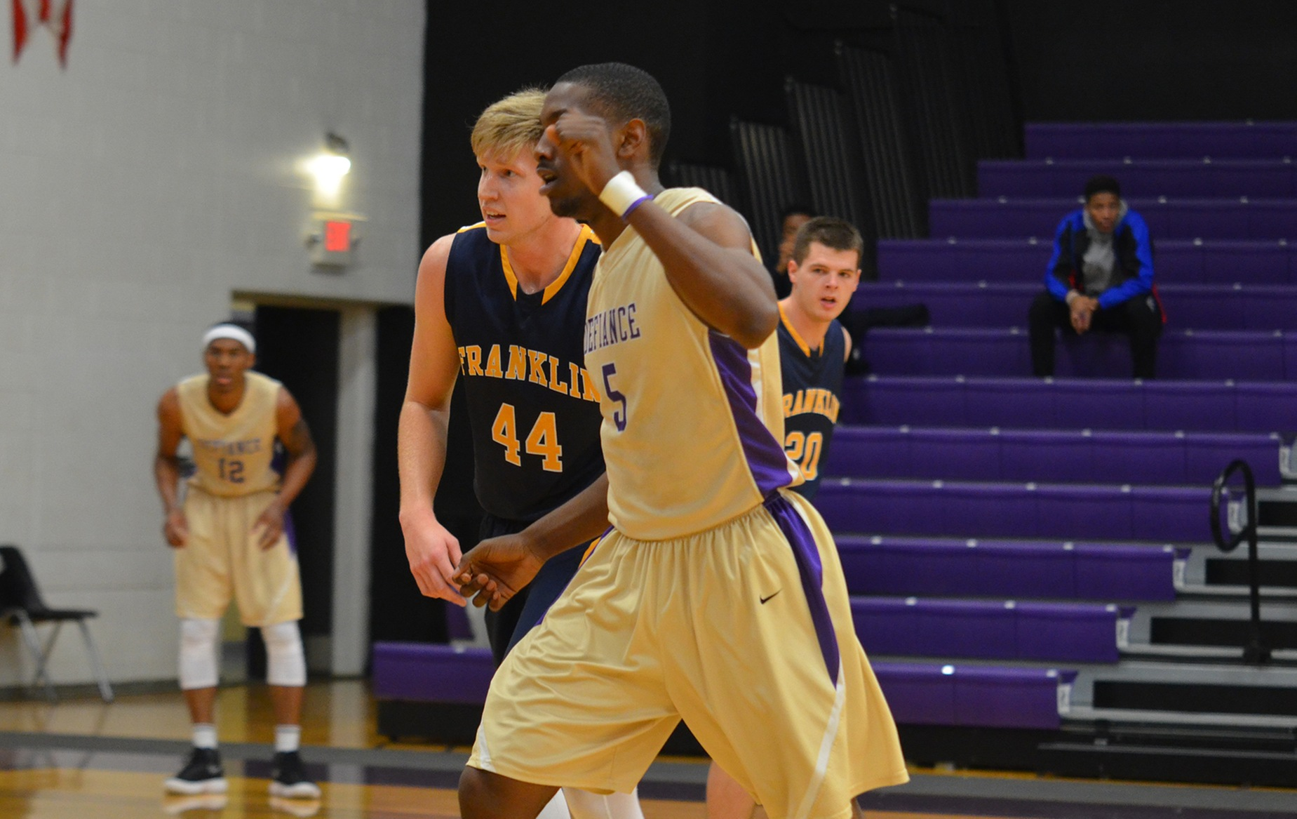 Yellow Jackets Drop HCAC Matchup at Mount St. Jospeh