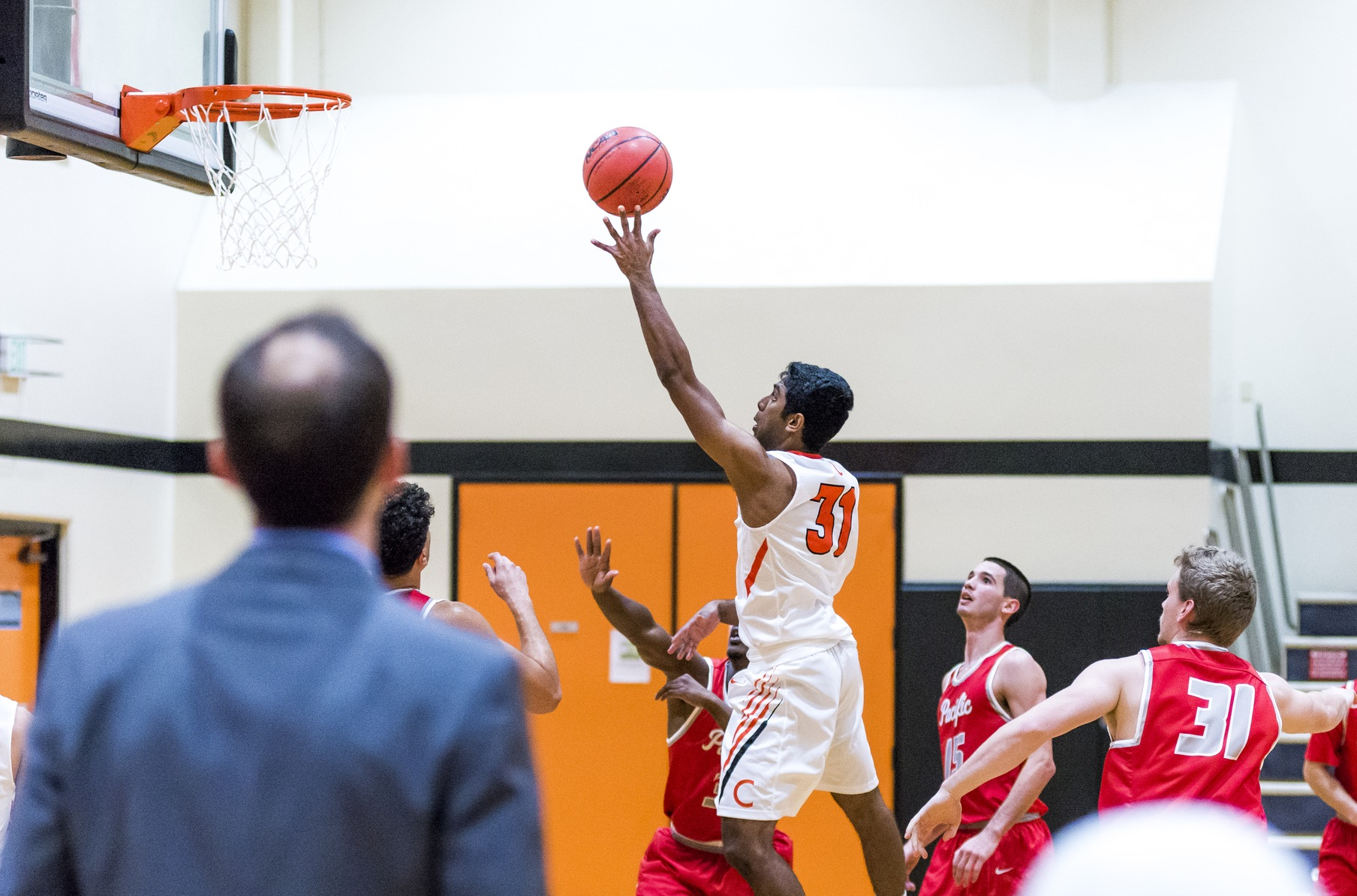 Srinivasaragavan Breaks Out, Beavers Set Team Three-Point Record