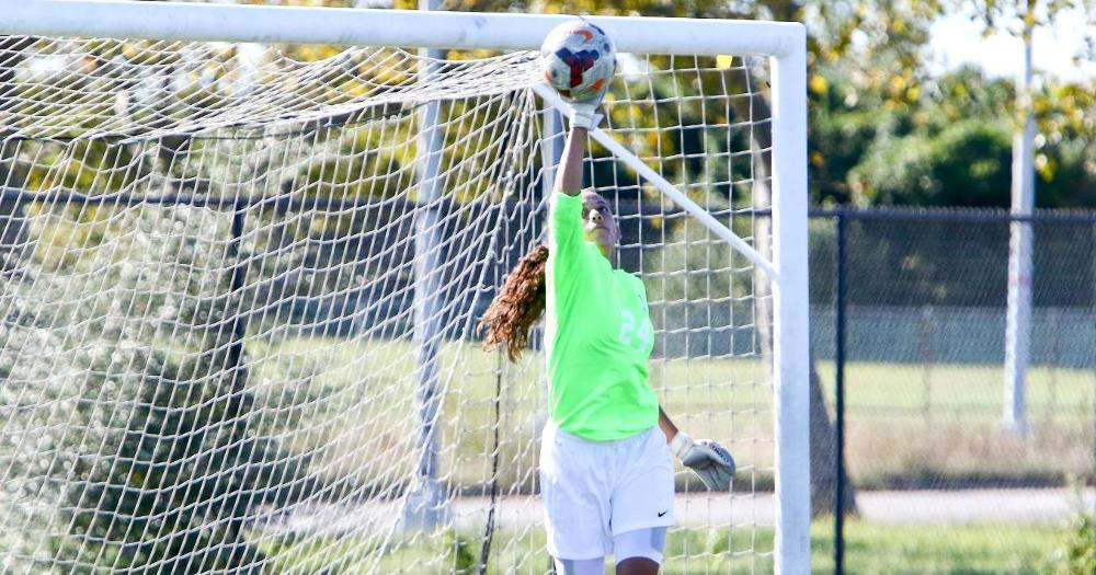 Candelaria Stops 36 Shots as Women's Soccer Travels to Albany to Visit Sage