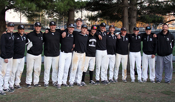Seniors Lead Wilmington Baseball to Sweep of Bloomfield, 9-2 and 7-1, on Senior Day