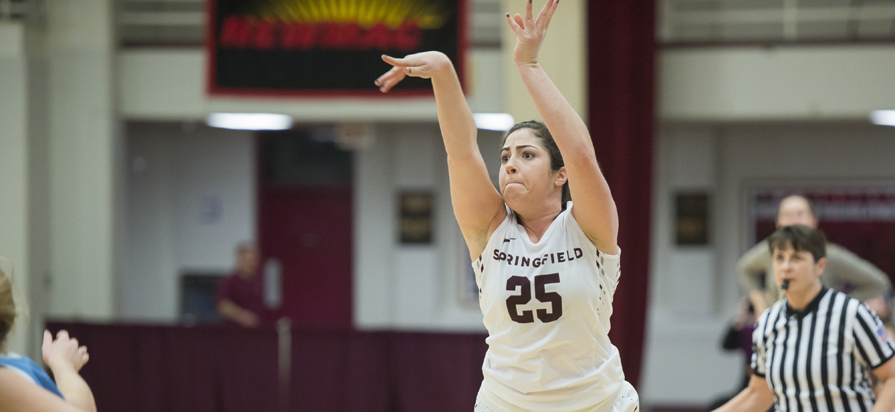 Windwer's Record-Breaking Night Leads Women's Basketball Past Mount Holyoke, 92-30