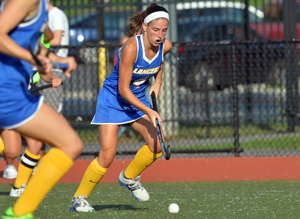 Field Hockey Extends Winning Streak to Six with 5-0 Shutout over Eastern Connecticut