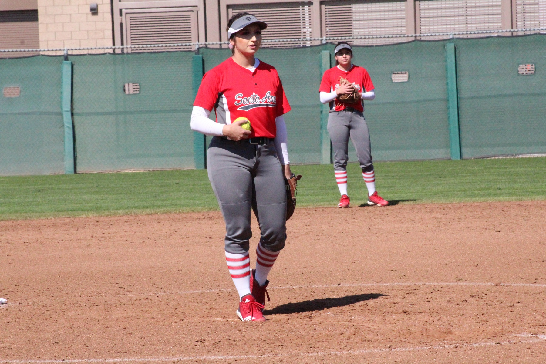 Dons Fall in Pitchers Duel with Southwestern