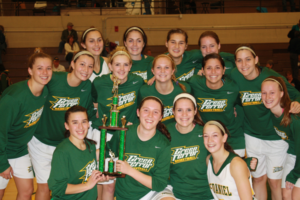 Perez nets 19 to lead McDaniel to title