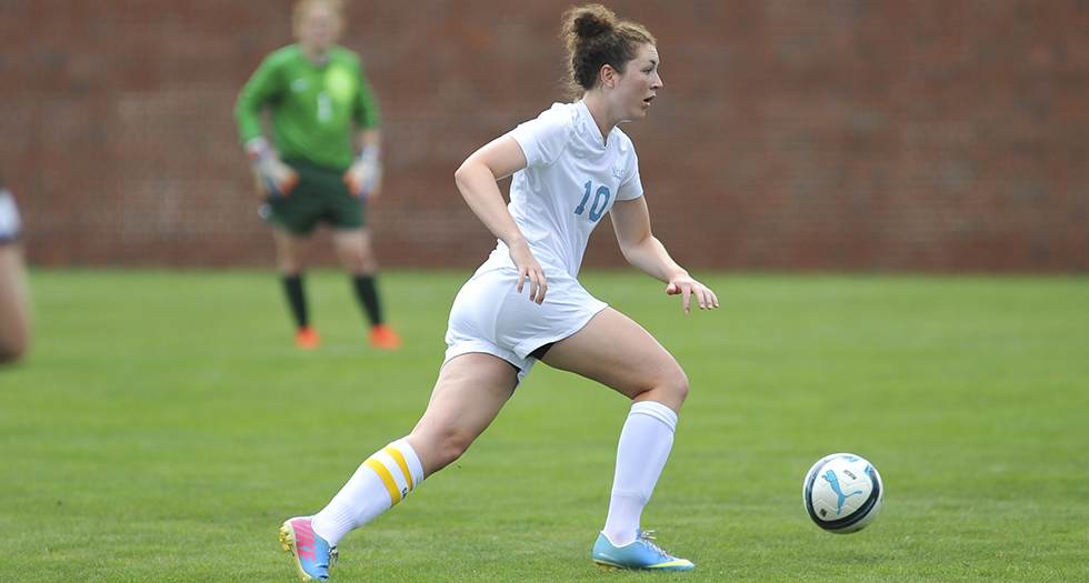 Soccer Edged by Babson, 3-2 in NEWMAC Opener