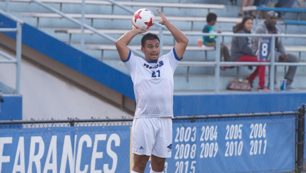 Senior defender Alex Liua scored his first career goal for UCSB on Saturday night. (Photo by Eric Isaacs)
