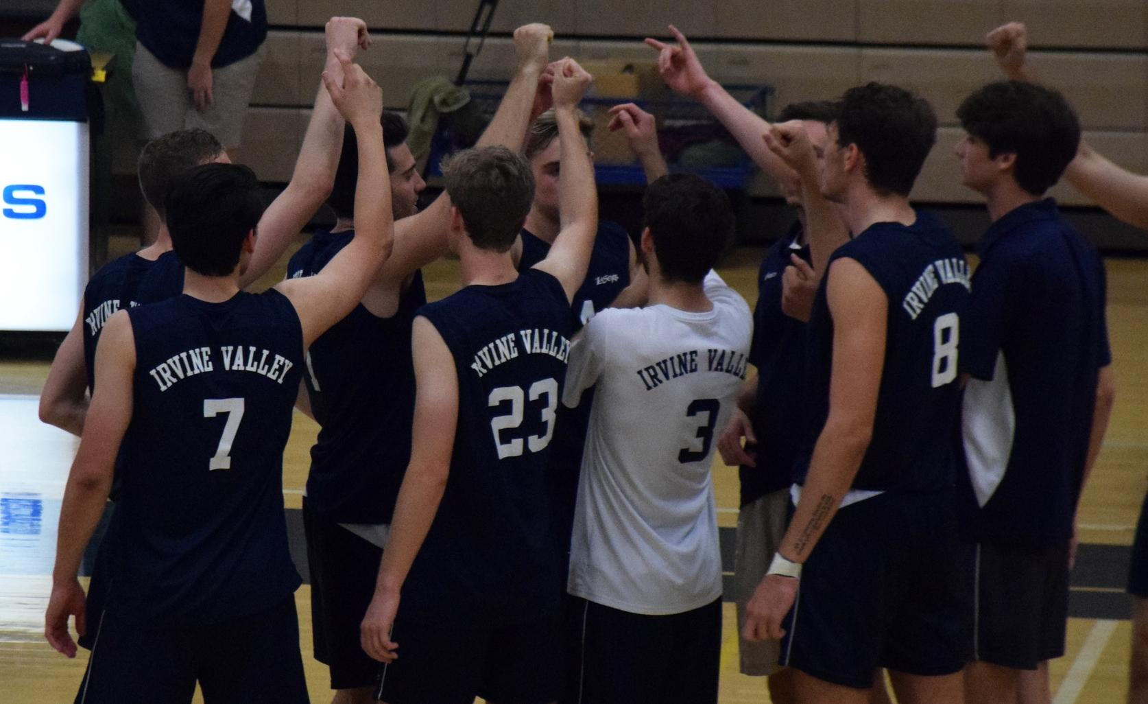 Men's volleyball team sweeps in OEC opener, preps for big week