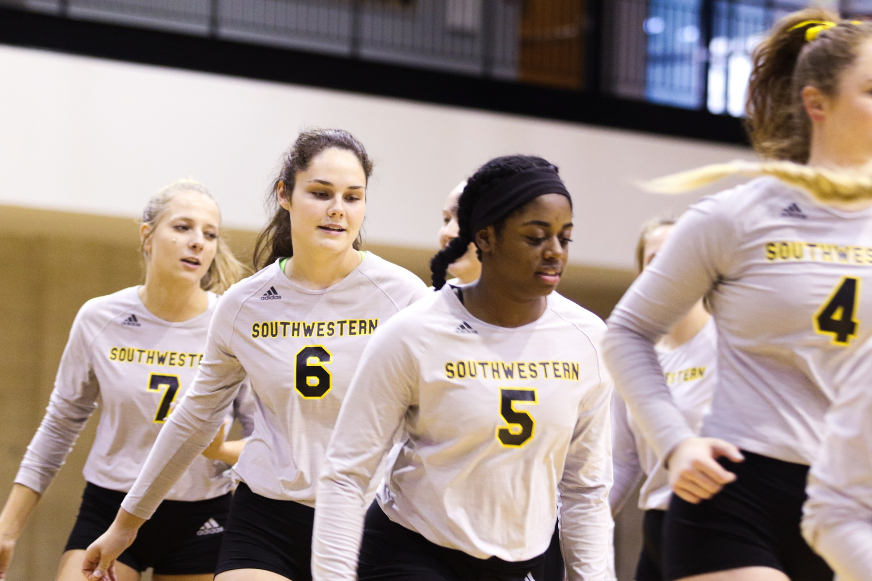 Volleyball Falls to No. 6 Colorado College
