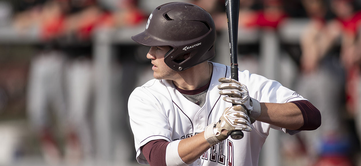 Baseball Drops Regular-Season Finale to MIT, 10-9, in Extra Innings