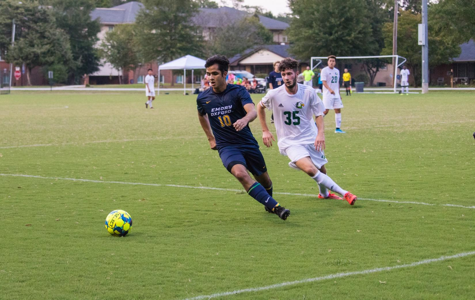 Barquet's Header Keeps the Men's Soccer Team Undefeated