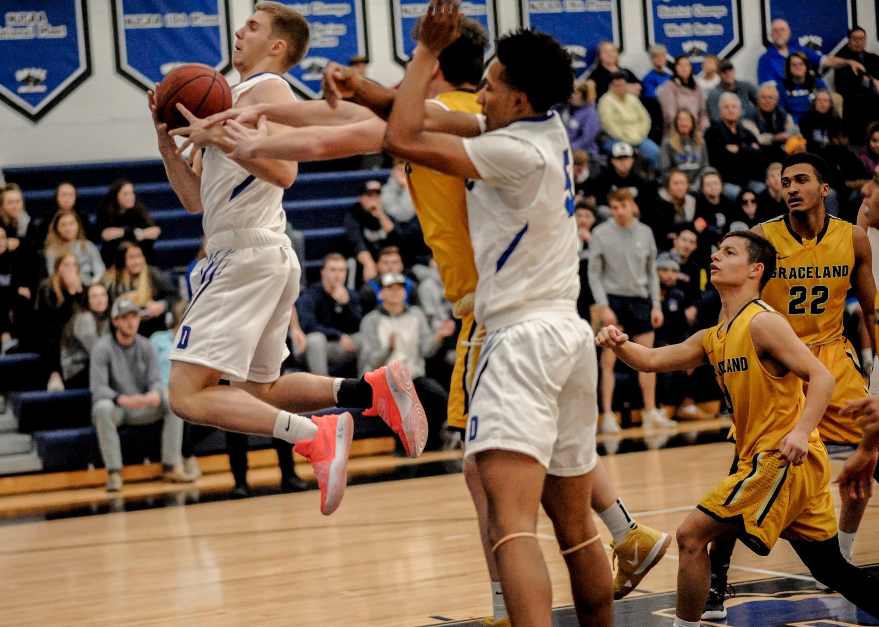 Lester's 22 points lead DMACC men's basketball team to 105-71 win