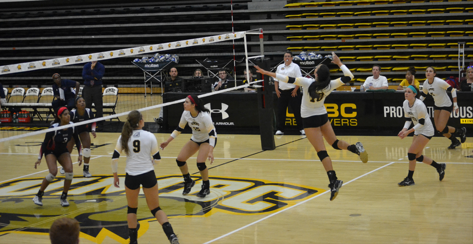 Volleyball Drops AE Opener at Stony Brook