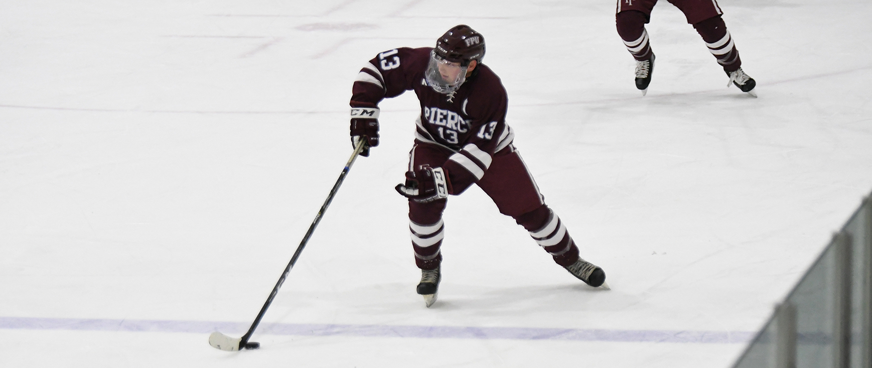 Men's Ice Hockey Slips Past Post, 2-1