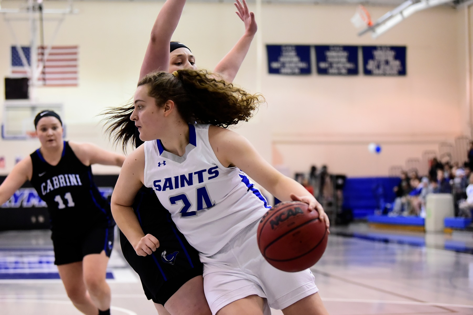 McShea's 24 leads Saints past Sea Gulls in fourth-straight win