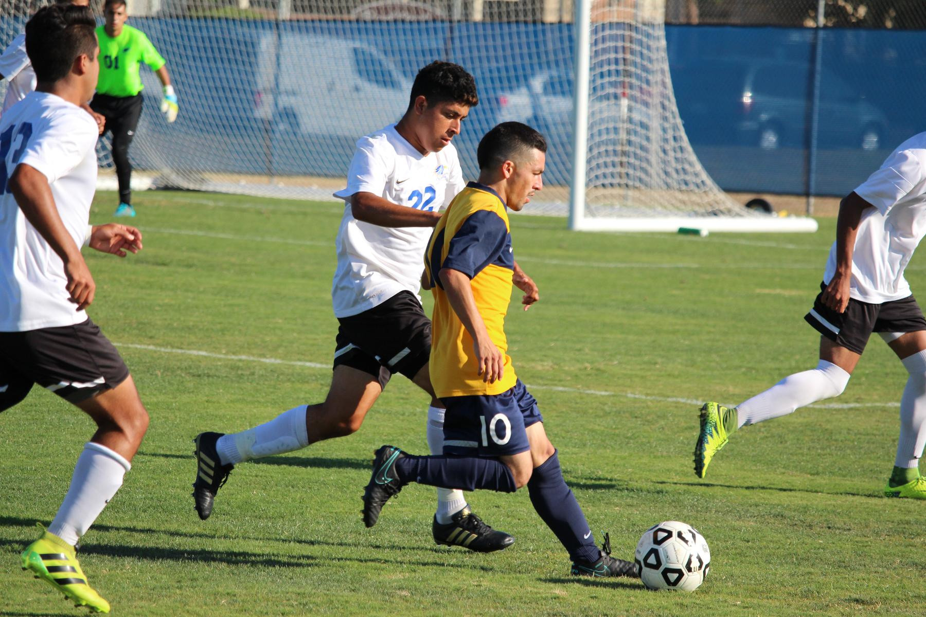 Chargers Tie Santiago Canyon