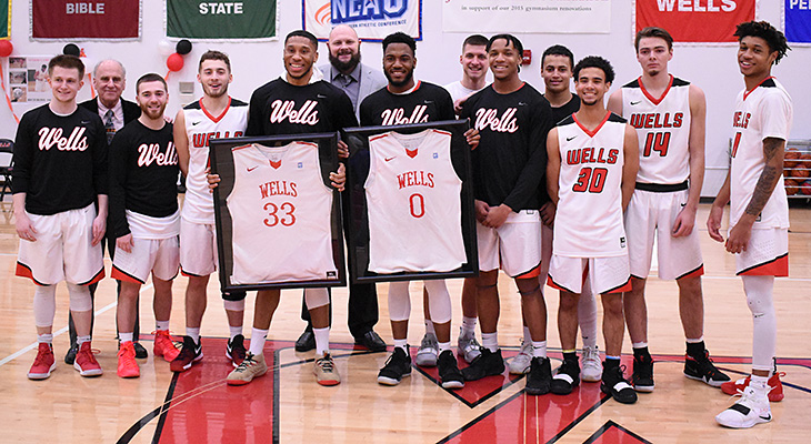 Men's Basketball Rally Comes Up Short On Senior Day
