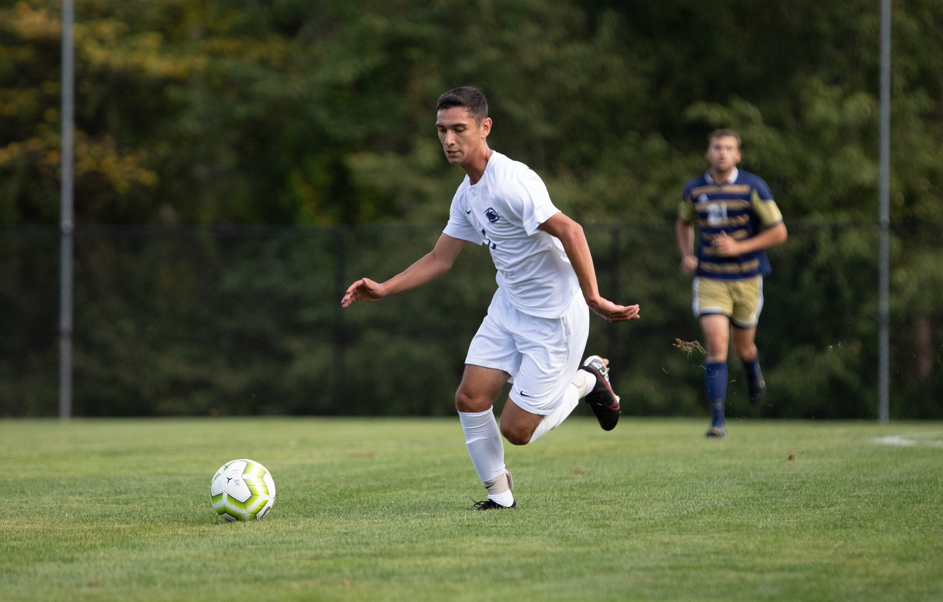 Colindres Leads Men's Soccer to Win