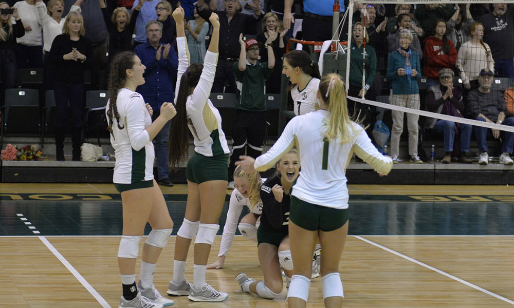 VOLLEYBALL WINS AT WEBER STATE, 3-1, COMPLETES REGULAR SEASON AT 15-1 IN THE BIG SKY