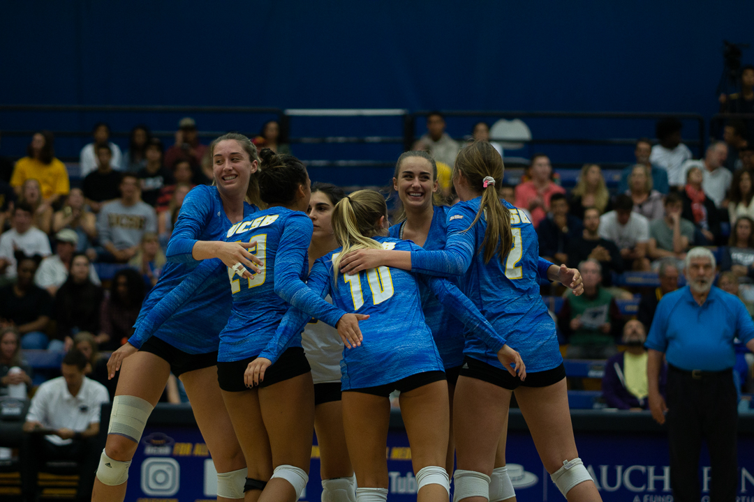 Gauchos Down Hawaii for First Time Since 2013 in Three-Set Rout