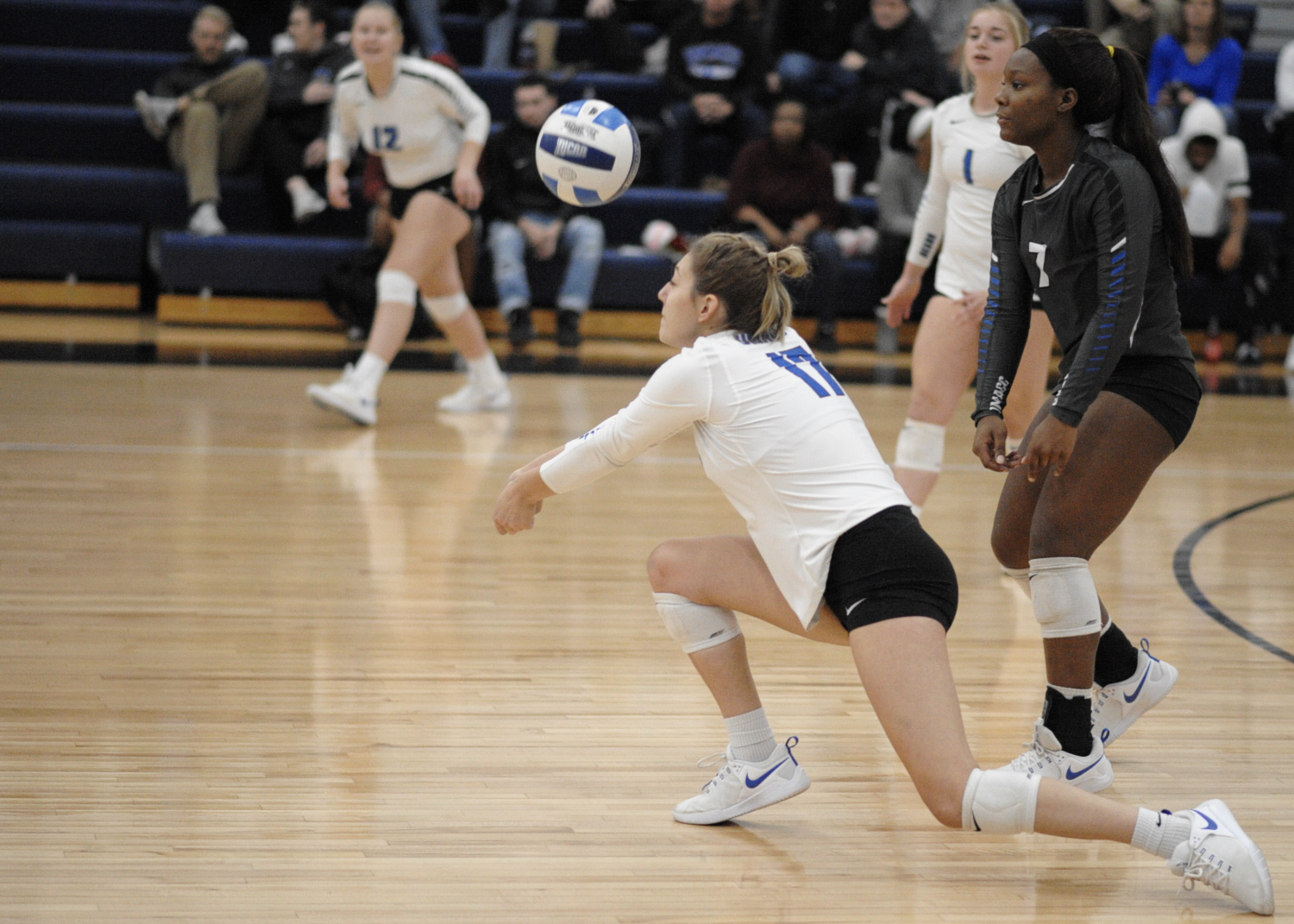 Dilsaver, Parker lead DMACC volleyball team past SWCC, 3-0