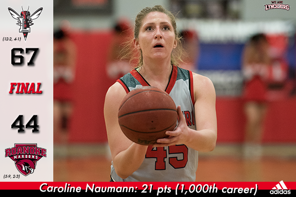 Caroline Naumann eyes the basket to shoot.