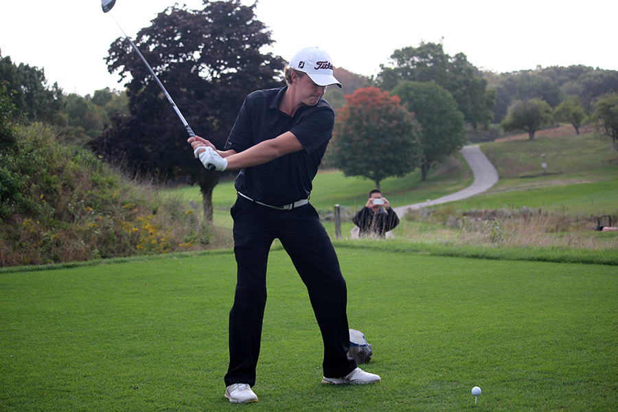 Howard Earns Medalist Honors at CCC Qualifier