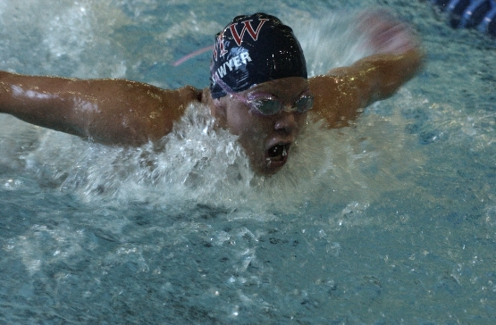 UMW Swim Teams Sweep Washington & Lee in Dual Meet Opener