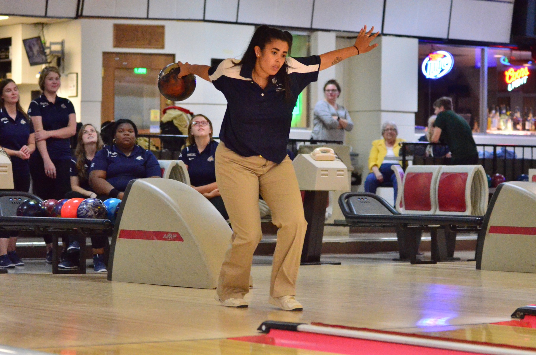 Women's Bowling Falls to St. Vincent