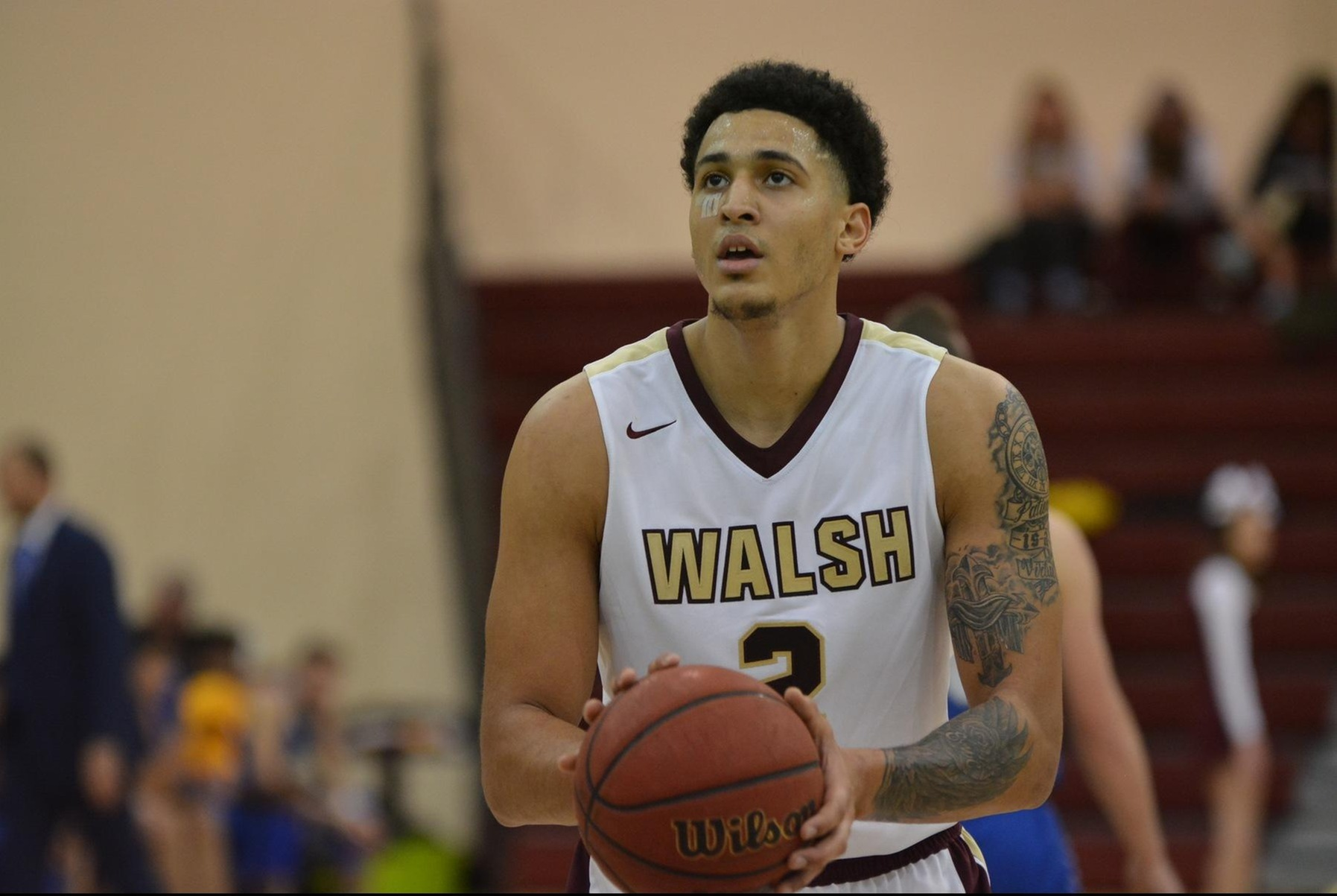Men's Basketball Rolls Past Thiel