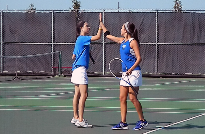 Women's Tennis Sweeps Two at Home