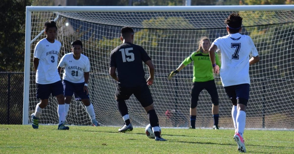 Men's Soccer Grabs First Conference Win At Mendocino College 3-2