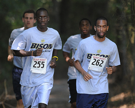 Bison men's cross country finishes 9th at Sea Gull Opener