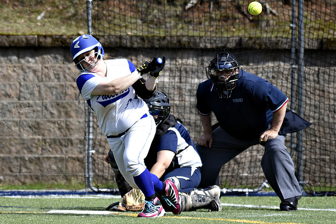Softball Falls 9-2 in Late Innings to Suffolk
