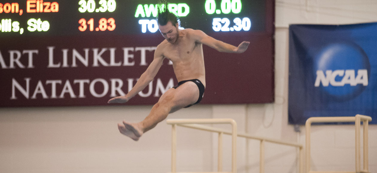 Men's Swimming and Diving Keeps Pace At Middlebury Invitational