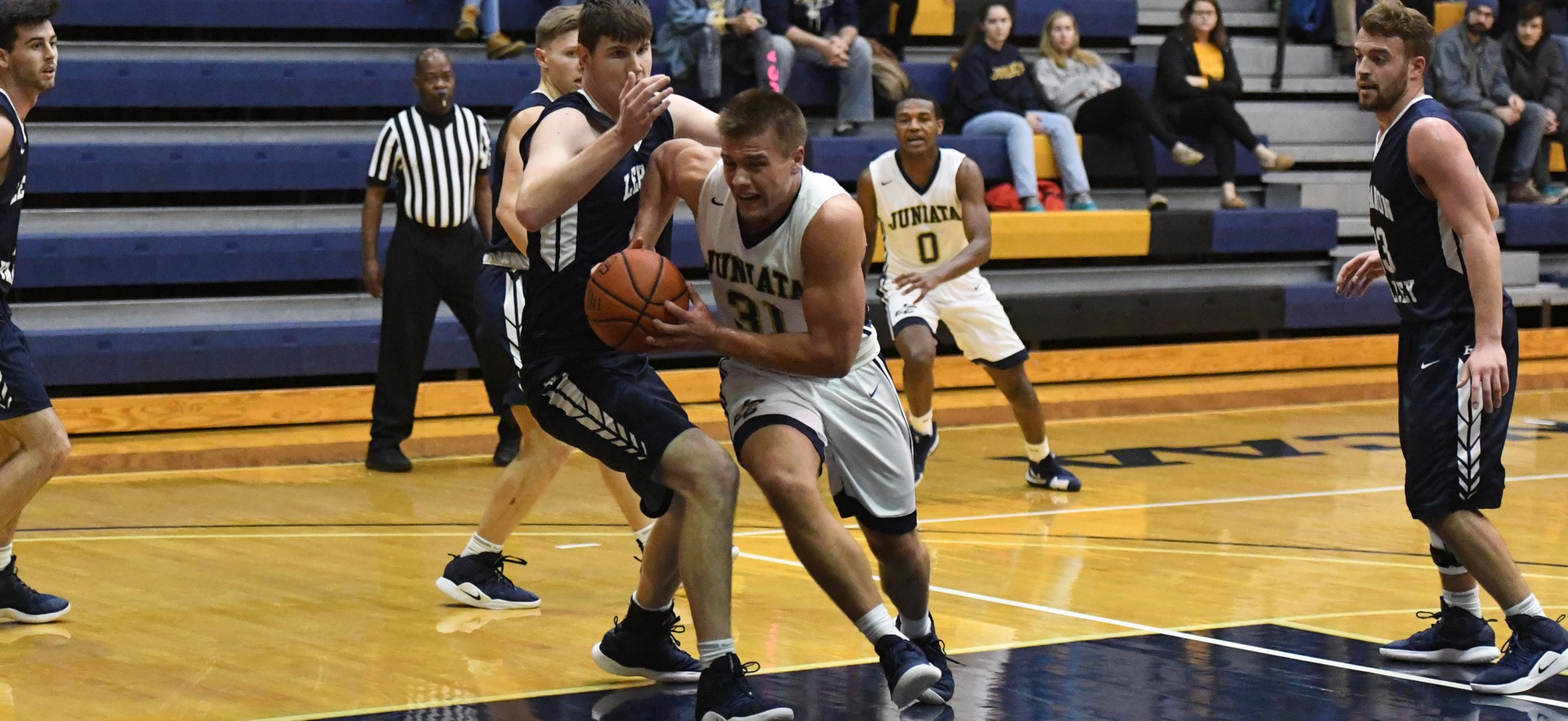 Men's Basketball Loses Tight Contest At Drew