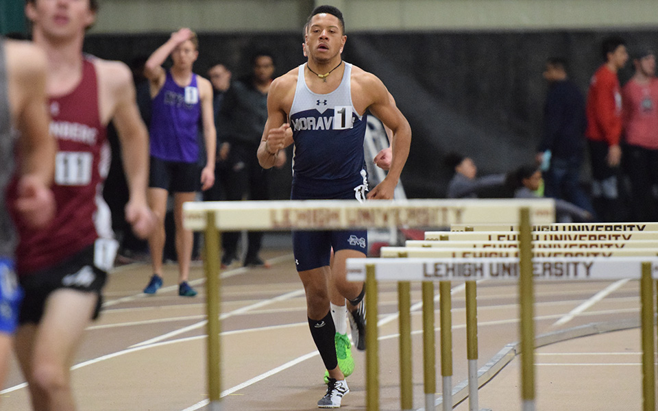 Junior Justin Beasley-Turner runs at the Moravian Indoor Invitational at Lehigh Univeristy's Rauch Fieldhouse.