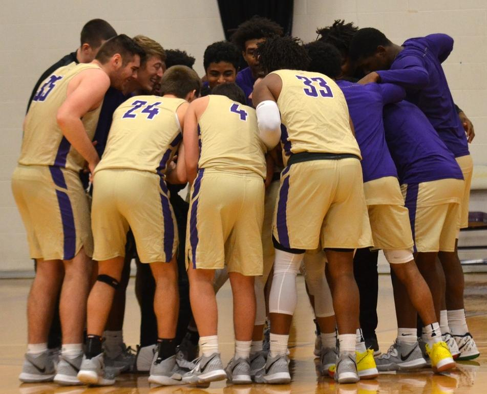 Men's basketball drops first HCAC game at Anderson