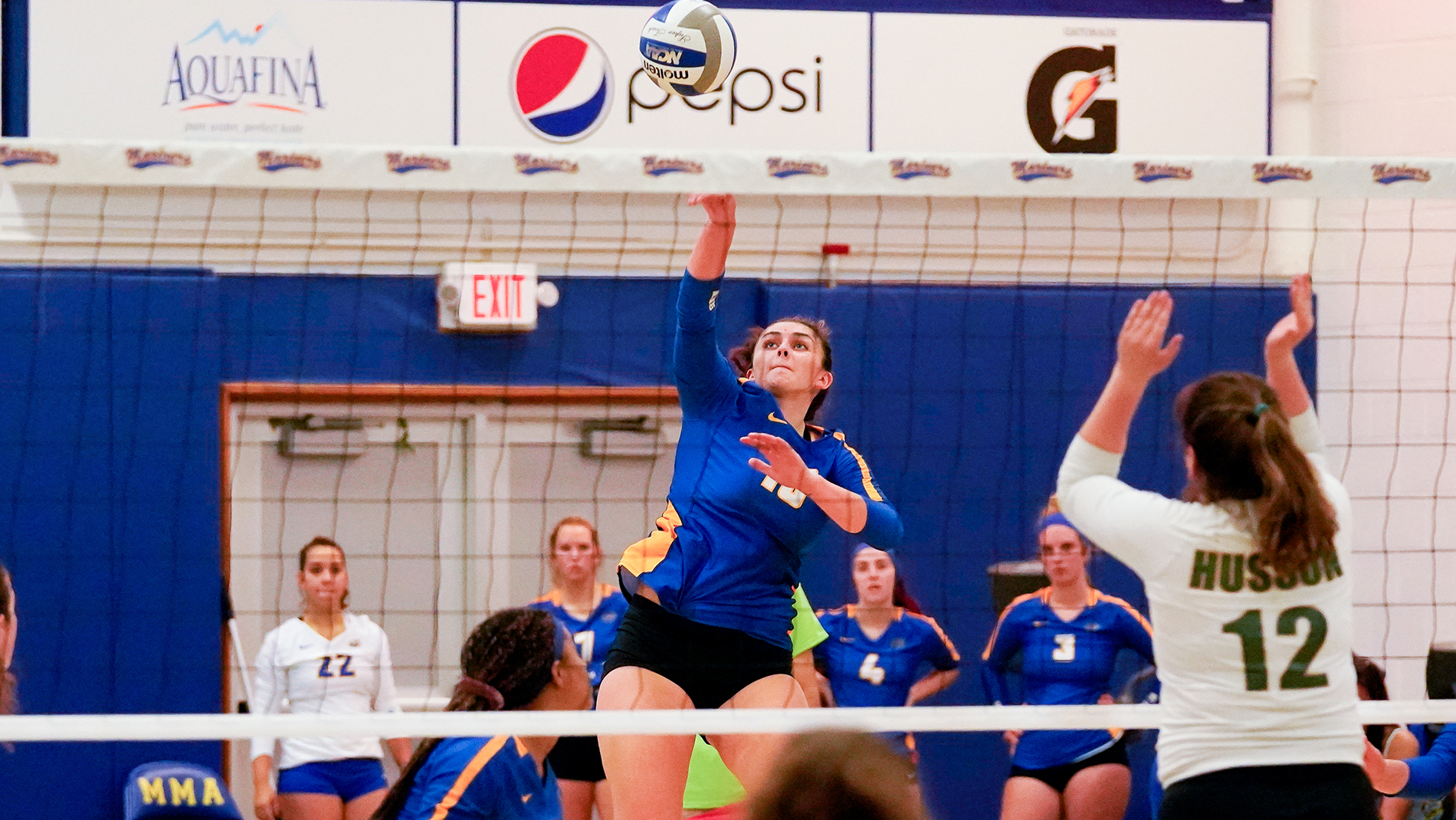 Volleyball Falls in Non-Conference Doubleheader