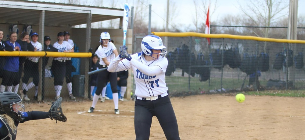 DWU completes series sweep over Chargers