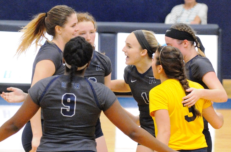 Women's Volleyball: Raiders swept at home by Tufts