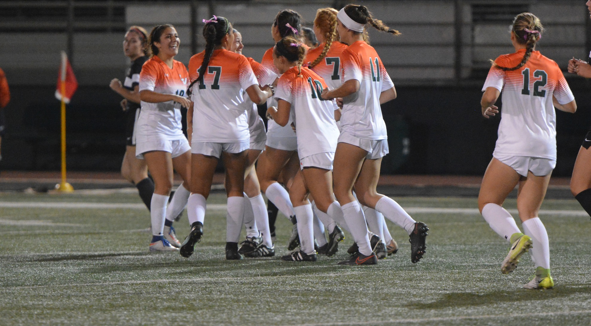 Women's Soccer beats Sagehens, moves into 2nd place