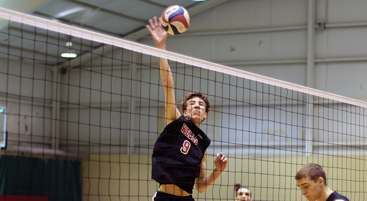 Men's Volleyball Blanks Chargers, Loses To Lions